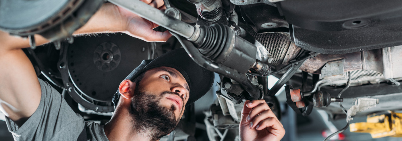 Mechanic doing Car Repairs in Parkgate, Rotherham